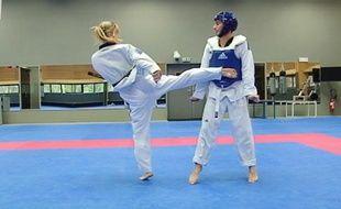 Le friday Sport se met au taekwondo.