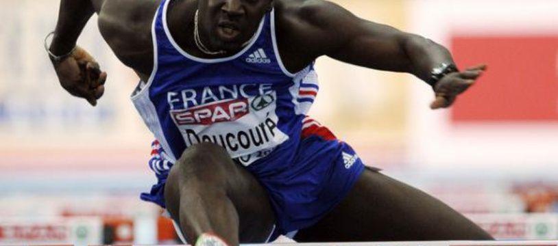 Le Français Doucouré champion d'Europe aux championnats d'Europe de Turin, le 6 mars 2009.
