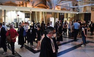 Devant la salle du procès aménagée pour l'occasion, à l'ancien Palais de justice de Paris.