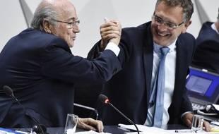 Le président de la Fifa, Sepp Blatter, et le secrétaire général de l'organisation, Jérôme Valcke, le 29 mai 2015.