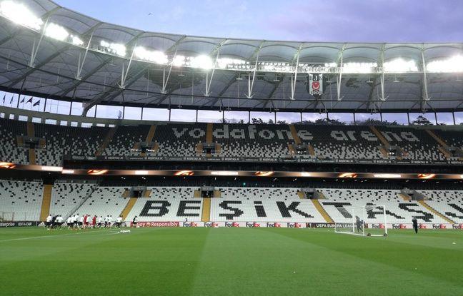 Les Lyonnais, très encadrés depuis leur arrivée à Istanbul mercredi matin, ont découvert l'enceinte du leader du championnat turc en fin d'après-midi.