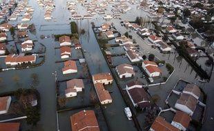 Vue aérienne d'un quartier de la Faute-sur-Mer, le 1er mars 2010, totalement inondé après le passage de la tempête Xynthia.
