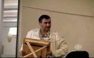 Robert Dziekanski, immigré polonais, mort à l'aéroport de Vancouver après avoir reçu deux décharges de Taser