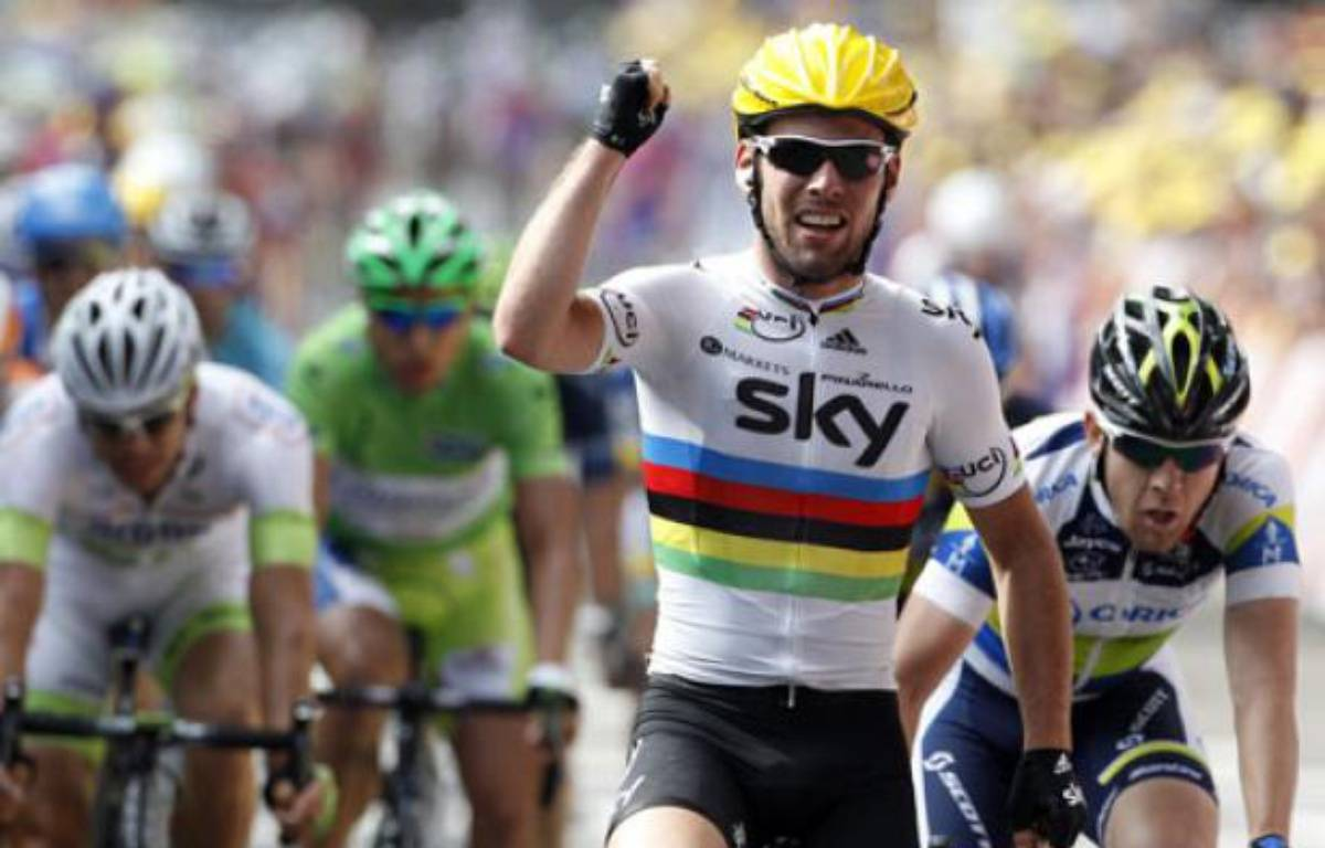 Mark Cavendish s'impose lors de la 2e étape du Tour de France, le 2 juillet 2012 à Tournai (Belgique). – J.P Pelissier / REUTERS