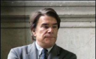 La Cour de cassation met un terme lundi au litige opposant Bernard Tapie au CDR, l'organisme en charge du passif du Crédit Lyonnais, l'occasion d'un spectaculaire rebond pour l'ancien homme d'affaires en faveur duquel le parquet général s'est prononcé.