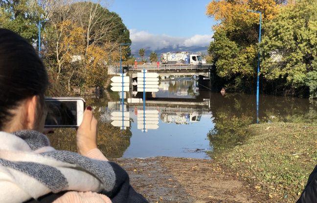 Un échangeur de l'autoroute A8 inondé à Mandelieu