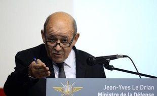 """Jean-Yves Le Drian, le ministre de la Défense, a prévu jeudi """"bientôt des résultats"""" pour la vente de Rafale en Inde et dans le Golfe, alors que le Brésil, qui a préféré un appareil suédois, n'était pas une """"cible prioritaire""""."""
