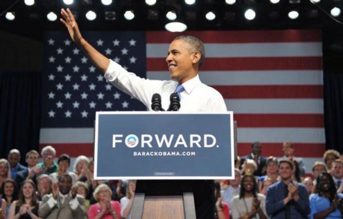 """Le président sortant Barack Obama a accusé jeudi son adversaire Mitt Romney de vouloir favoriser """"les millionnaires"""" aux dépens notamment des retraités, en entamant une tournée électorale en Floride (sud-est), où vivent de nombreux Américains âgés. – Mandel Ngan afp.com"""