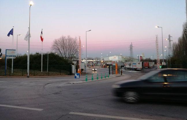 A l'entrée d'un des sites industriels d'ArcelorMittal, du côté est de Florange.