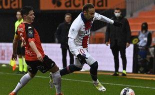 Neymar mène l'attaque parisienne à Lorient.