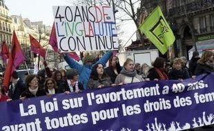 Manifestation à Paris pour la défense du droit des femmes et l'IVG, le 17 janvier 2015