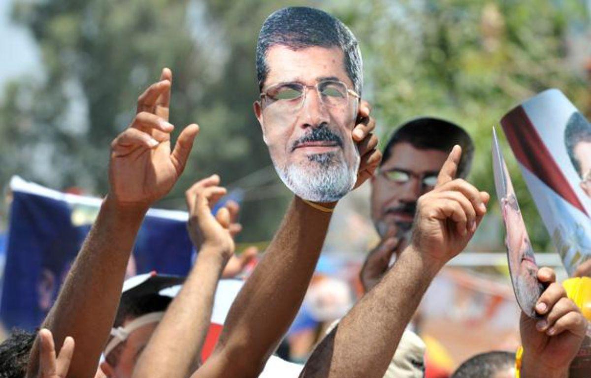 Des partisans de l'ancien président égyptient Mohamed Morsi, destitué par l'armée, le 26 juillet 2013 au Caire, en Egypte. – FAYEZ NURELDINE/AFP PHOTO