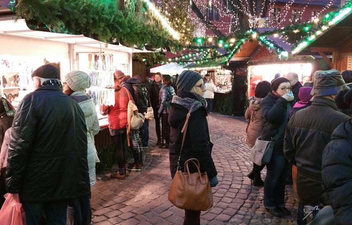 Attentat à Berlin: Reportage au marché de Noël de Fribourg. – A. Ighirri / 20 Minutes