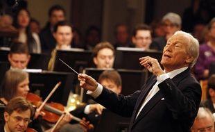 Georges Prêtre dans ses œuvres lors du traditionnel concert de Nouvel An, à Vienne, en 2010.