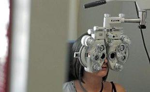 Mesure de l'acuité visuelle (illustration).
