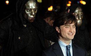 Daniel Radcliffe pose lors de la première mondiale de Harry Potter et les Reliques de la Mort àLondres, le 11 novembre 2010.