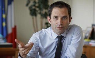 Benoît Hamon, ministre délégué à l'Economie sociale et solidaire, défend le bilan de la répression des fraudes