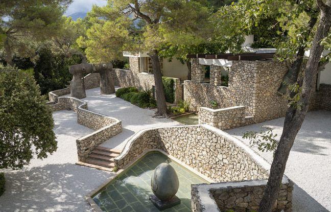 Le labyrinthe Miro, un parcours d'oeuvres en céramique, fer, bronze et même ciment armé, signé du peintre espagnol, vient d'être restauré