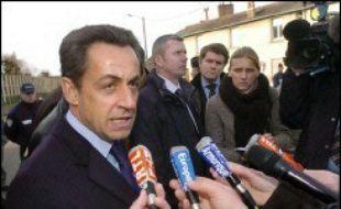 Nicolas Sarkozy détaille son programme économique et social dans une interview au Monde, proposant notamment de réduire les prélèvements obligatoires de quatre points pour les ramener à la moyenne européenne.