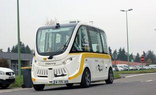 La navette autonome conçue par la société Navya est en test sur le réseau Star. Elle circule sur le campus de l'université Rennes 1.