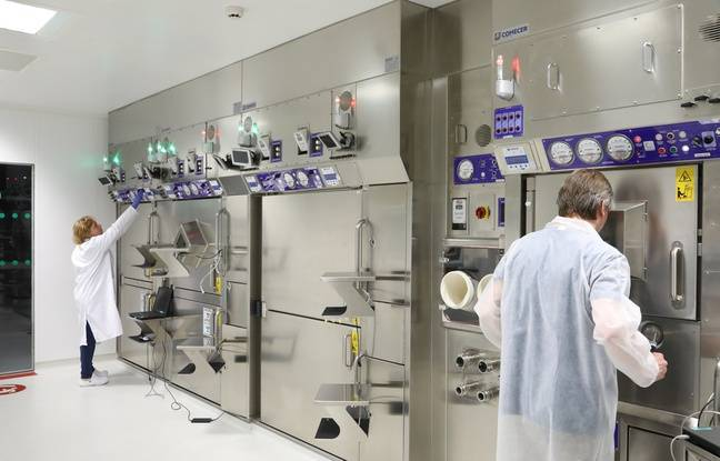 Des scientifiques strasbourgeois en pleine étude des molécules chargées avec des particules radioactives créées par l'accélérateur de particules Cyrcé à Strasbourg.