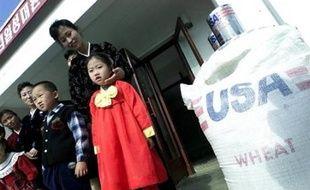 Les Etats-Unis sont parvenus à un accord avec la Corée du Nord pour reprendre en juin leur aide alimentaire au régime de Pyongyang, pour un volume total de 500.000 tonnes sur un an, a annoncé vendredi le département d'Etat dans un communiqué.