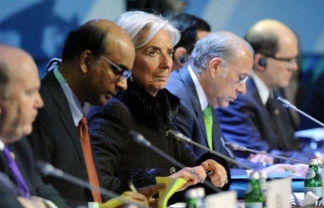 """Les taux de changes ne doivent pas servir à doper la compétitivité des Etats, mais la politique monétaire doit """"continuer à soutenir la reprise économique"""", déclarent samedi les pays riches et émergents du G20 dans le communiqué final de leur réunion de Moscou."""