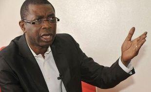 """La star internationale de la chanson Youssou Ndour, candidat à la présidentielle de février au Sénégal, a demandé aux dirigeants du monde de dire """"clairement"""" au président Abdoulaye Wade, qui se représente à ce scrutin, de partir, dans un entretien accordé à l'AFP."""