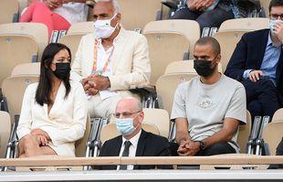 Tony Parker et sa compagne Alizé Lim, le 8 juin 2021, à Roland-Garros.