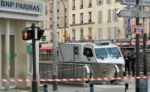 L'attaque a eu lieu devant une agence bancaire située à Aubervilliers.