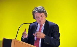 """Le président du Parti radical, Jean-Louis Borloo, a annoncé mardi à l'AFP la création d'un nouveau groupe centriste, """"l'Union des démocrates et indépendants"""" à l'Assemblée nationale."""