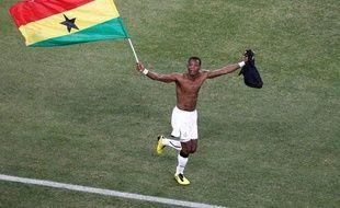 Le Ghana l'a fait ! Seule équipe africaine (à moins d'un incroyable exploit de la Côte d'Ivoire) à se qualifier pour les huitième, malgré sa défaite.(Allemagne - Ghana, 1-0, le 23juin 2010)