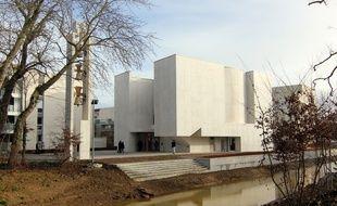 L'extérieur de la nouvelle église Anastasis, à Saint-Jacques-de-la-Lande, près de Rennes.