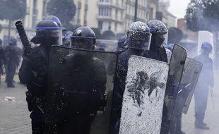 """Illustration lors d'une manifestation des """"gilets jaunes""""."""