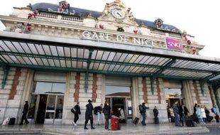 Une petite fille de six ans a été tuée à l'arme blanche mercredi matin à Nice, a-t-on appris auprès du parquet, confirmant des informations du quotidien Nice-Matin.