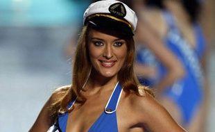 Kelly Bochenko, Miss Paris 2009, a participé au concours Miss France 2010 le 5 décembre 2009.