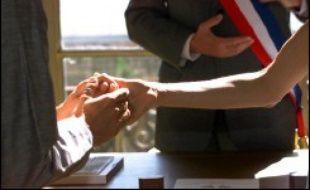 Depuis janvier, 57.543 couples se sont unis devant un tribunal civil, soit trois fois plus que durant toute l'année 2001 (19.632), selon un bilan communiqué mercredi par la Chancellerie.