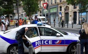 Des policiers dans le centre ville de Marseille (photo d'illustration).