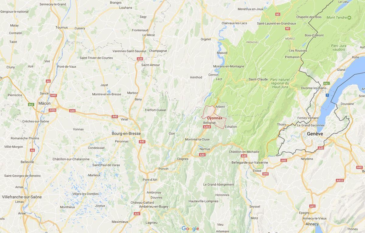 L'homme s'est agrippé au toit de sa voiture volée à Oyonnax, dans l'Ain.  – google maps.