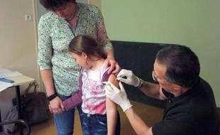 Généraliste ou pédiatre, les familles pourront bientôt désigner un médecin traitant pour leur enfant, selon le projet de loi qui doit être présenté le 15 octobre 2014 en conseil des ministres