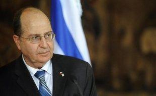 Un nouveau clash diplomatique a éclaté mardi entre Israël et son allié stratégique américain après une virulente attaque personnelle du ministre israélien de la Défense Moshé Yaalon contre le secrétaire d'Etat John Kerry, accusé de ne rien comprendre au conflit israélo-palestinien.