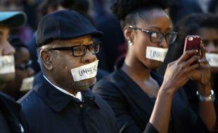 Une manifestation a eu lieu à l'université de l'Oklahoma, le 9 mars 2015, pour dénoncer le chant raciste de plusieurs étudiants.
