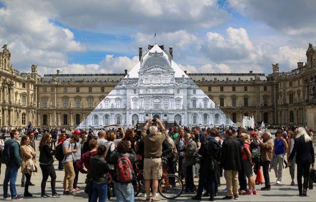 JR a recouvert la pyramide du Louvre d'une oeuvre d'art en trompe l'oeil