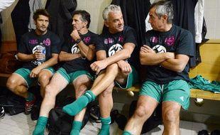 L'ancien footballeur Olivier Rouyer, assis entre Claude Puel et Alain Giresse, lors d'un match du Variété, le 12 septembre 2012, au stade Charléty, à Paris.