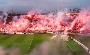 Capture d'écran des fumigènes au Paok Salonique
