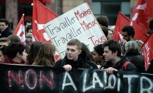 Des étudiants manifestent contre le projet de loi travail à Strasbourg le 24 mars 2016