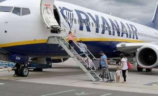 Dans le dur comme tout le secteur aérien, Ryanair se veut pourtant optimiste à court et moyen terme.