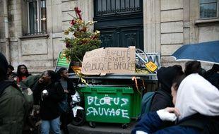 Blocage du lycée Colbert à Paris le 7 décembre 2018. Crédit :Yann Bohac