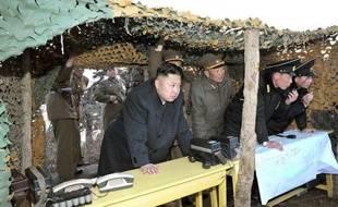 La Corée du Nord, qui a installé un deuxième missile de moyenne portée sur sa côte est, alimentant les craintes d'un tir imminent, a averti qu'elle ne pouvait garantir la sécurité des missions diplomatiques à Pyongyang à compter du 10 avril en cas de conflit, tout en interdisant toujours samedi aux Sud-Coréens l'accès au site industriel intercoréen de Kaesong.