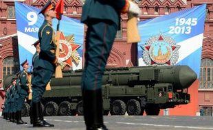 Une colonne de lanceurs de missiles balistiques sur la Place Rouge, à Moscou, le 9 mai 2013.